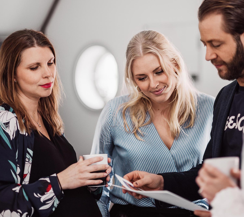 Karin, Hanna och Axel på Identx kontor