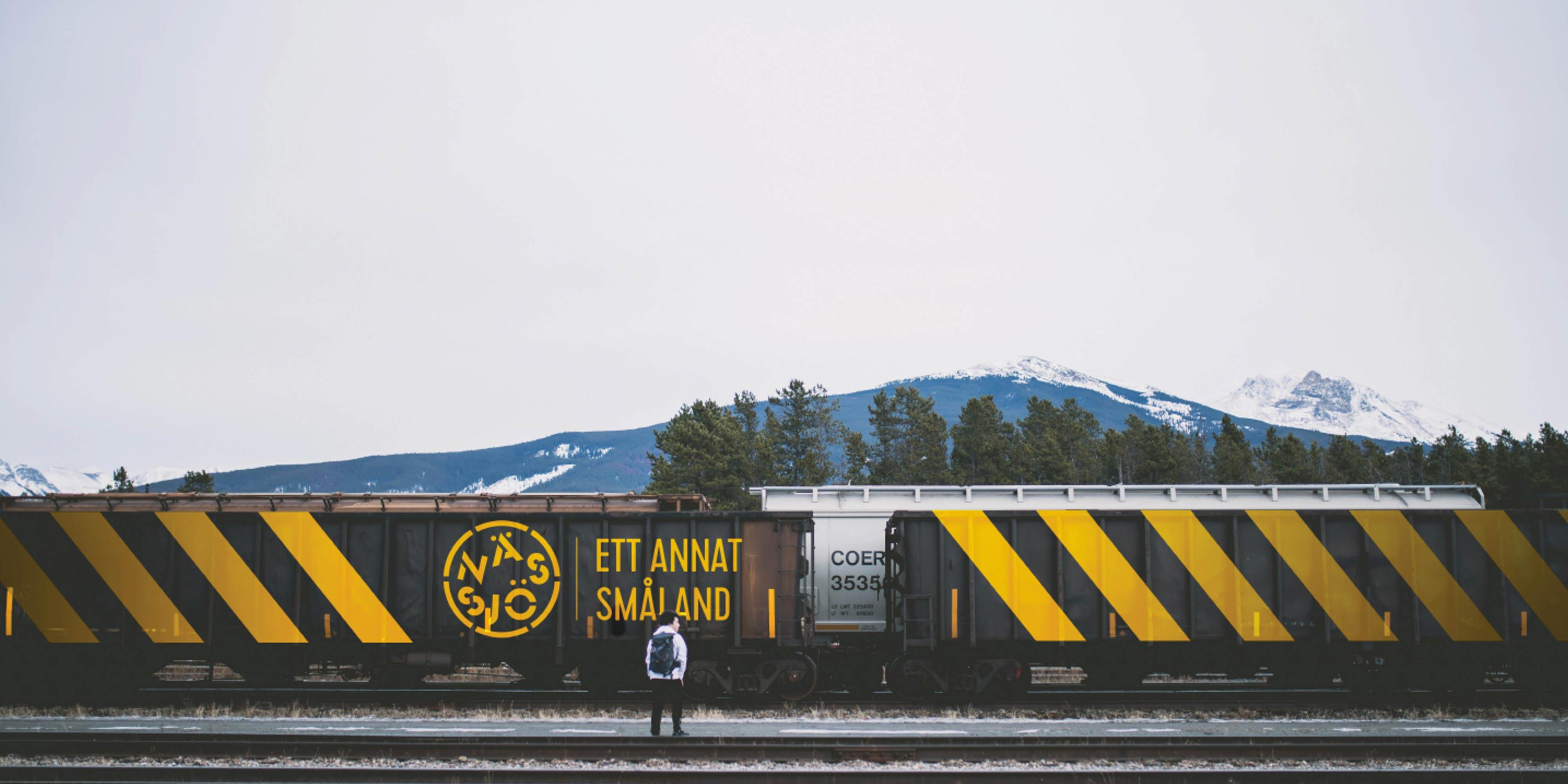 Tåg med Nässjö plastlogotyp